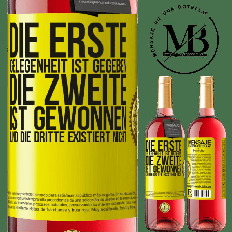 24,95 € Kostenloser Versand   Roséwein ROSÉ Ausgabe Die erste Gelegenheit ist gegeben, die zweite ist gewonnen und die dritte existiert nicht Gelbes Etikett. Anpassbares Etikett Junger Wein Ernte 2020 Tempranillo