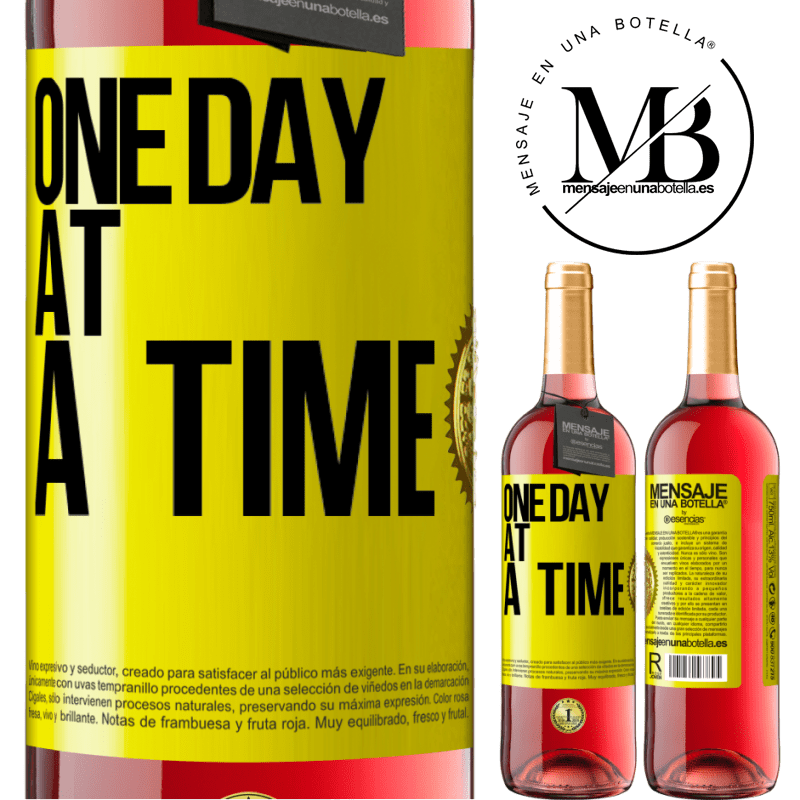 24,95 € Free Shipping | Rosé Wine ROSÉ Edition One day at a time Yellow Label. Customizable label Young wine Harvest 2020 Tempranillo