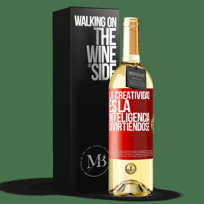 24,95 € Envoi gratuit | Vin blanc Édition WHITE La créativité, c'est l'intelligence qui s'amuse Étiquette Rouge. Étiquette personnalisable Vin jeune Récolte 2020 Verdejo
