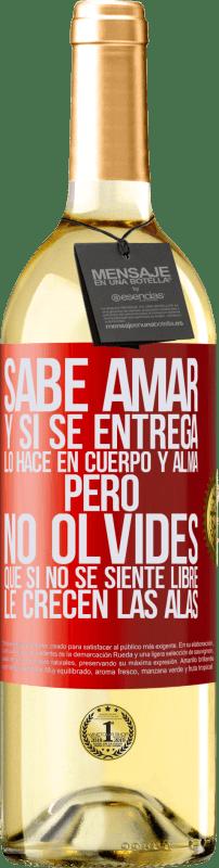 24,95 € Envío gratis   Vino Blanco Edición WHITE Sabe amar, y si se entrega, lo hace en cuerpo y alma. Pero, no olvides, que si no se siente libre, le crecen las alas Etiqueta Roja. Etiqueta personalizable Vino joven Cosecha 2020 Verdejo