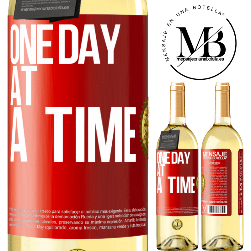 24,95 € Free Shipping   White Wine WHITE Edition One day at a time Red Label. Customizable label Young wine Harvest 2020 Verdejo