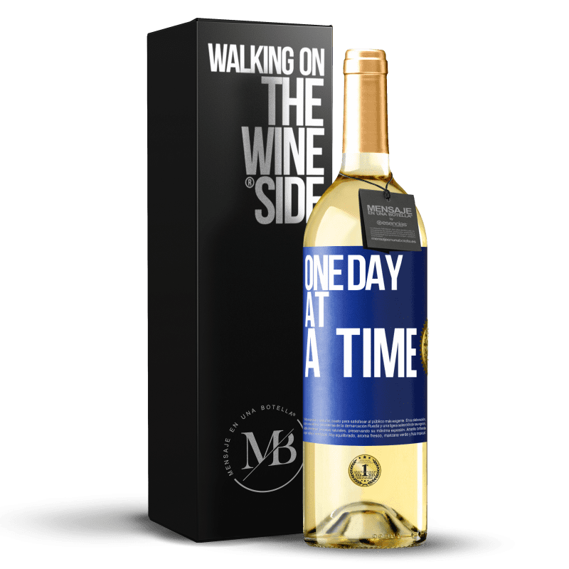 24,95 € Free Shipping | White Wine WHITE Edition One day at a time Blue Label. Customizable label Young wine Harvest 2020 Verdejo
