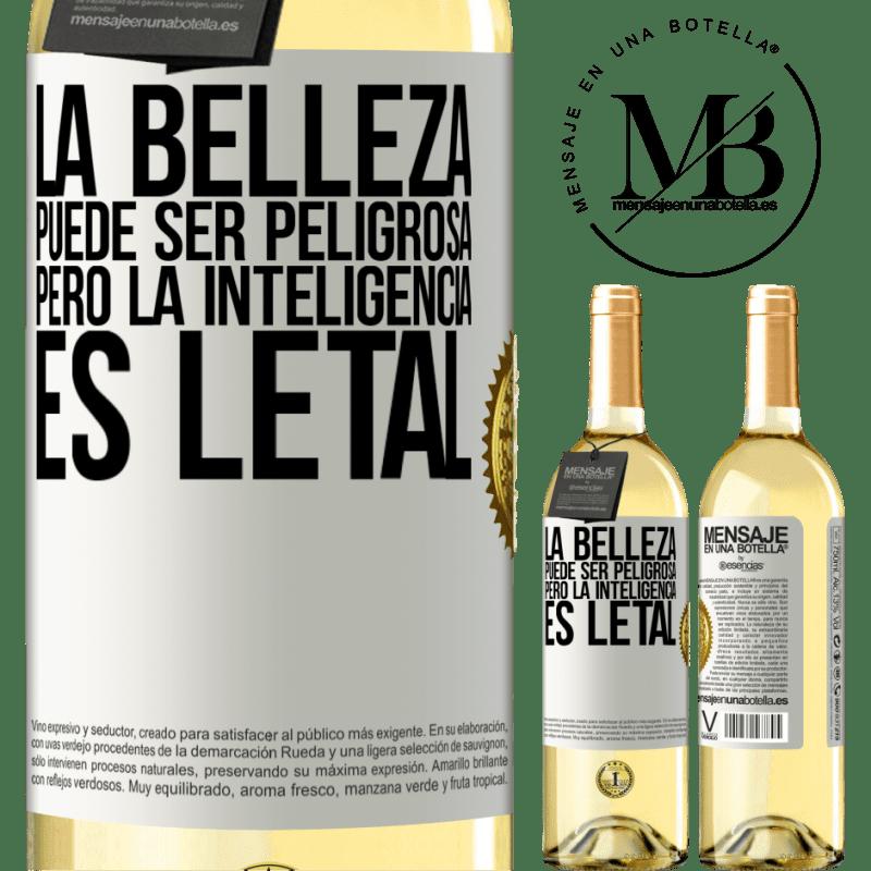 24,95 € Envío gratis | Vino Blanco Edición WHITE La belleza puede ser peligrosa, pero la inteligencia es letal Etiqueta Blanca. Etiqueta personalizable Vino joven Cosecha 2020 Verdejo