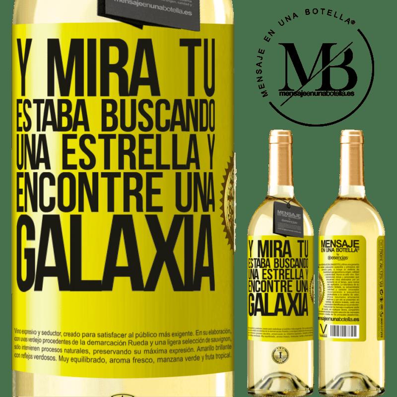 24,95 € Envío gratis   Vino Blanco Edición WHITE Y mira tú, estaba buscando una estrella y encontré una galaxia Etiqueta Amarilla. Etiqueta personalizable Vino joven Cosecha 2020 Verdejo