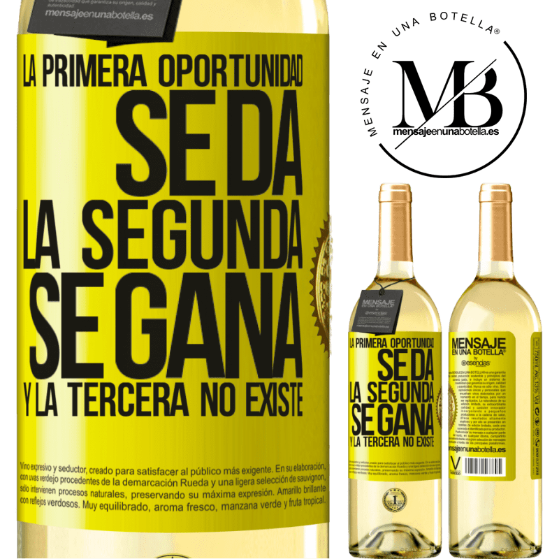 24,95 € Envoi gratuit | Vin blanc Édition WHITE La première opportunité est donnée, la seconde est gagnée et la troisième n'existe pas Étiquette Jaune. Étiquette personnalisable Vin jeune Récolte 2020 Verdejo