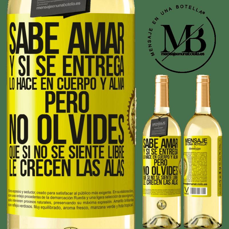 24,95 € Envío gratis   Vino Blanco Edición WHITE Sabe amar, y si se entrega, lo hace en cuerpo y alma. Pero, no olvides, que si no se siente libre, le crecen las alas Etiqueta Amarilla. Etiqueta personalizable Vino joven Cosecha 2020 Verdejo
