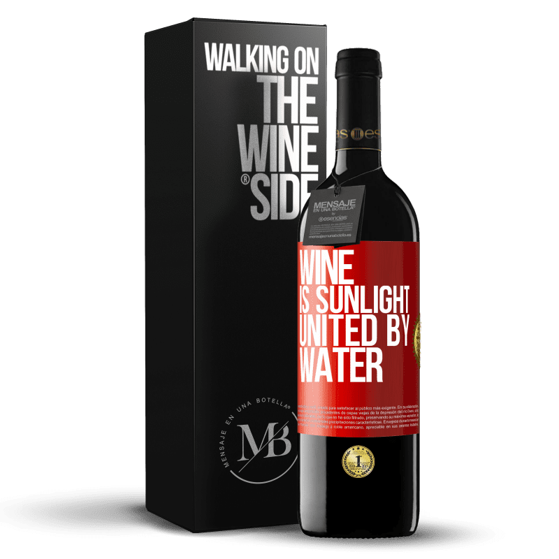 24,95 € Free Shipping | Red Wine RED Edition Crianza 6 Months Wine is sunlight, united by water Red Label. Customizable label Aging in oak barrels 6 Months Harvest 2018 Tempranillo