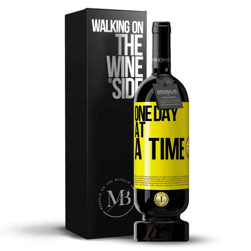 29,95 € Free Shipping | Red Wine Premium Edition MBS® Reserva One day at a time Yellow Label. Customizable label Reserva 12 Months Harvest 2013 Tempranillo