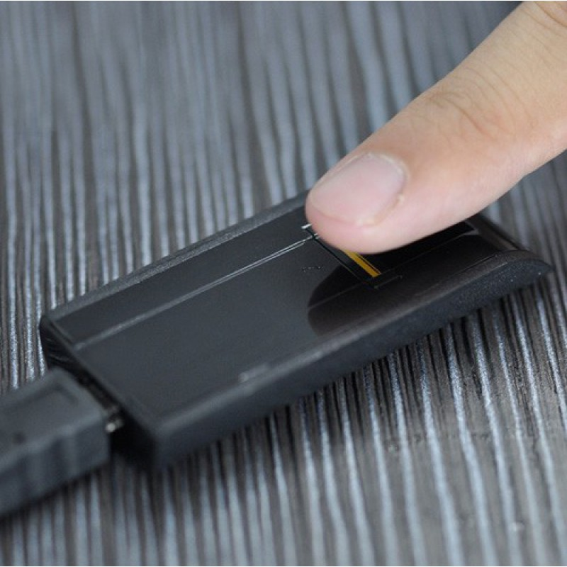 隐藏的间谍小工具 生物指纹识别器。用于PC的生物识别安全密码锁