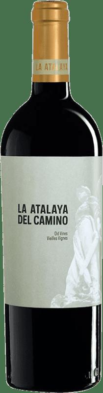 11,95 € 免费送货 | 红酒 Atalaya La Atalaya del Camino Crianza D.O. Almansa 卡斯蒂利亚 - 拉曼恰 西班牙 Monastrell, Grenache Tintorera 瓶子 75 cl