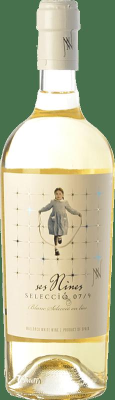 15,95 € Envío gratis | Vino blanco Tianna Negre Ses Nines Blanc Selecció 07/9 Crianza D.O. Binissalem Islas Baleares España Chardonnay, Moscatel Grano Menudo, Premsal Botella 75 cl