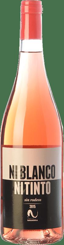 5,95 € 免费送货 | 玫瑰酒 Vinícola Navarra Ni Blanco Ni Tinto D.O. Navarra 纳瓦拉 西班牙 Grenache 瓶子 75 cl