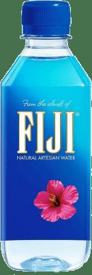 57,95 € Free Shipping | 24 units box Water Fiji Artesian Water Pet Medium Bottle 50 cl
